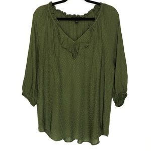 a.n.a A New Approach 3/4 Ruffle V-Neck Top Size L